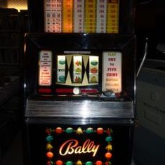 Bally - One arm bandit - Jukebox Center - Meinier - Genève
